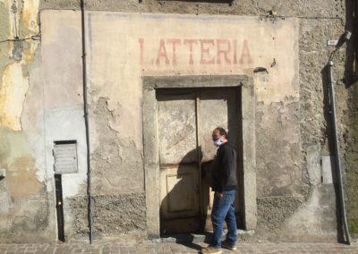 Facciata dell'Ex Latteria a Villa d'Ogna, primo sopraluogo