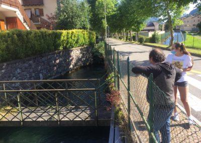 Un ponte abbandonato ricorda il lavatoio alla Festi Rasini, primo sopraluogo